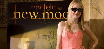 Dakota Fanning Officially Joins Twilight's New Moon Cast