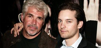 Gary Ross and Tobey Maguire