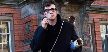 Personajes Gryffindor Nowhere-boy-trailer-smoking-tsrimg