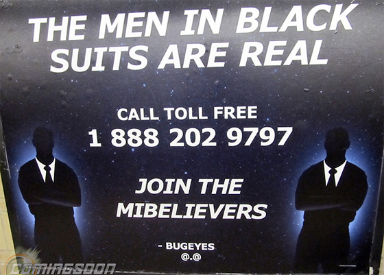 TheMenInBlackSuitsAreReal.com