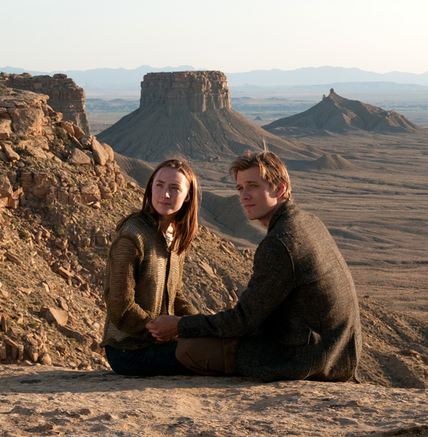 Saoirse Ronan & Jake Abel in Andrew Niccol's The Host