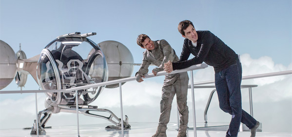 Joseph Kosinski & Tom Cruise in Oblivion