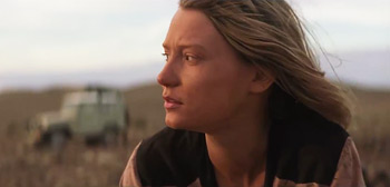Mia Wasikowska in Tracks Trailer