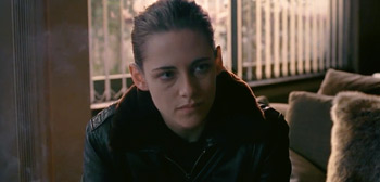 New US Trailer for Assayas' 'Personal Shopper' with Kristen Stewart
