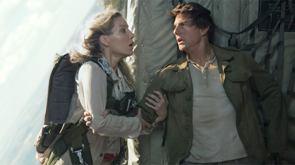 Review: 'The Mummy' is a Messy, Entertaining Start to a Dark Universe