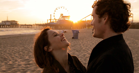 Anton Yelchin and Felicity Jones in Like Crazy