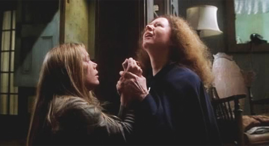 Carrie - Carrie and Mother