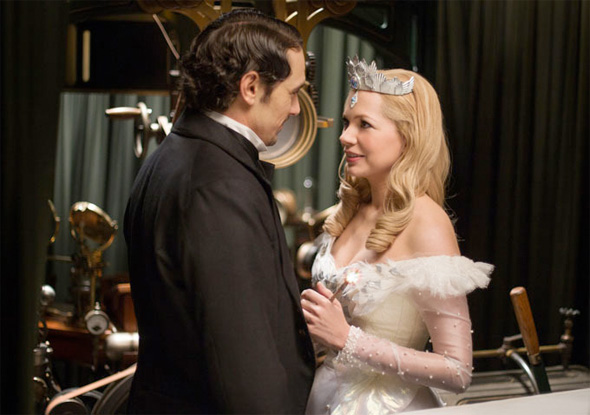 Oz: The Great and Powerful - First Look - James Franco and Michelle Williams