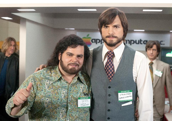 Jobs Photo with Josh Gad & Ashton Kutcher