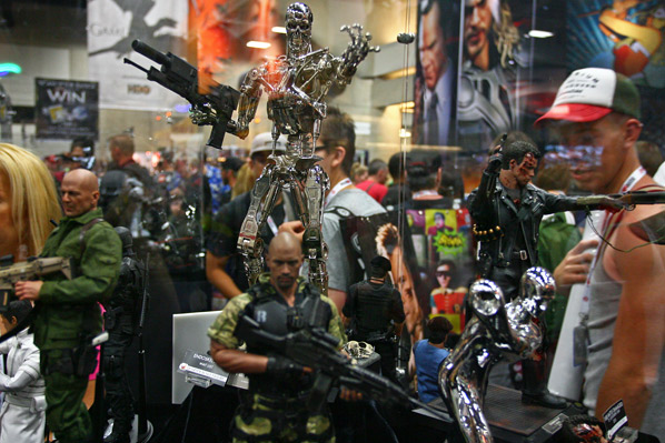 Comic-Con 2013 Showfloor - FirstShowing.net