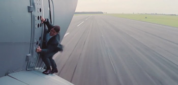 Tom Cruise Airplane Stunt