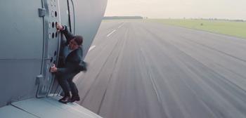 Tom Cruise Airplane Stunt